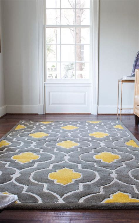 yellow and gray rug 29 stylish grey and yellow living room d 233 cor ideas digsdigs