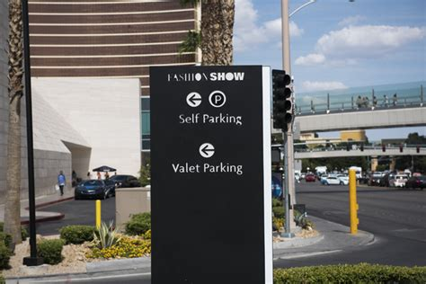 Garage Parks Mall by Injured In Shooting Outside Fashion Show Mall Garage