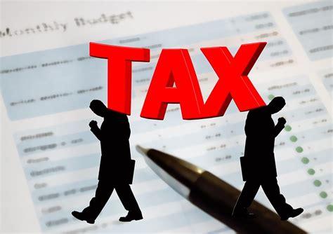 bureau d impot illustration gratuite taxes bureau de l 39 impôt image