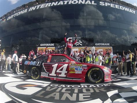 Tony Stewart, Matt Kenseth win NASCAR Gatorade Duel ...