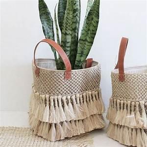 Panier Osier Plante : tassel basket home body pinterest panier decoration et deco ~ Teatrodelosmanantiales.com Idées de Décoration