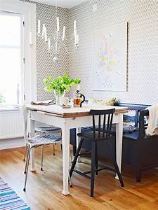 Cococozy small spot on space three tips to decorating a for Small apartment kitchen table
