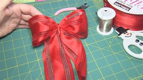how to make an easy bow for a gift or christmas tree