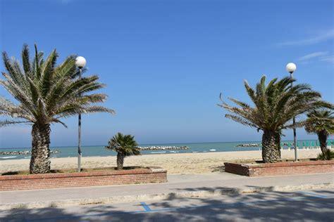 porto san spiaggia porto san giorgio marche spiagge italiane su