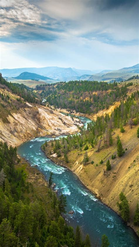 wallpaper yellowstone landscape   wallpaper usa