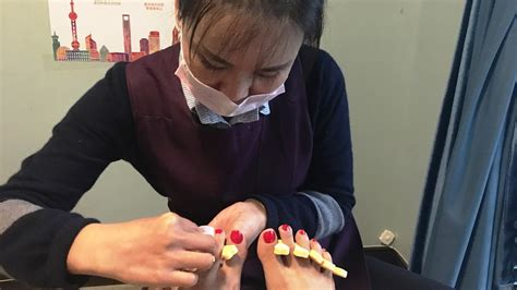 Finding A Pedicure In China, Using