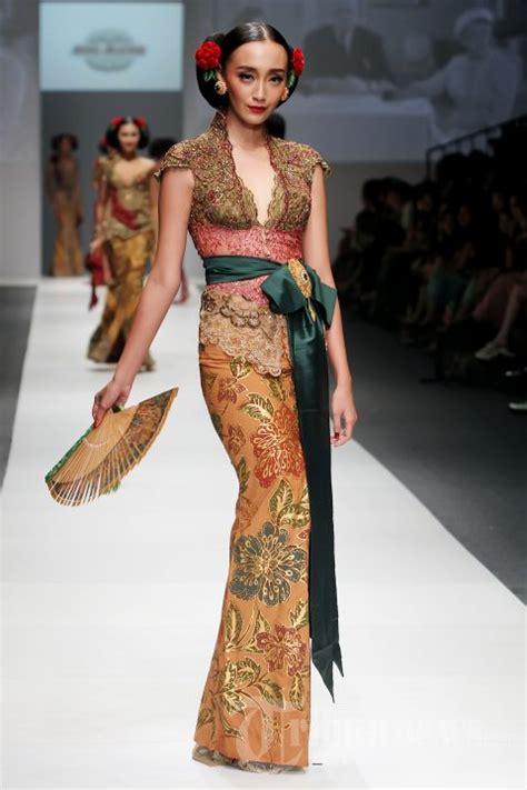 fashion show anne avantie foto   tribunnewscom