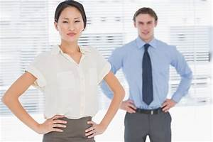 Power Posture: How to Convey Confident Body Language in Sales