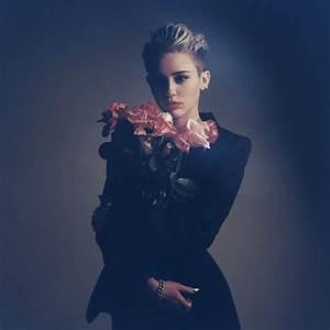 "Miley Cyrus ""Bangerz"" is one damn addictive album! – Read ..."
