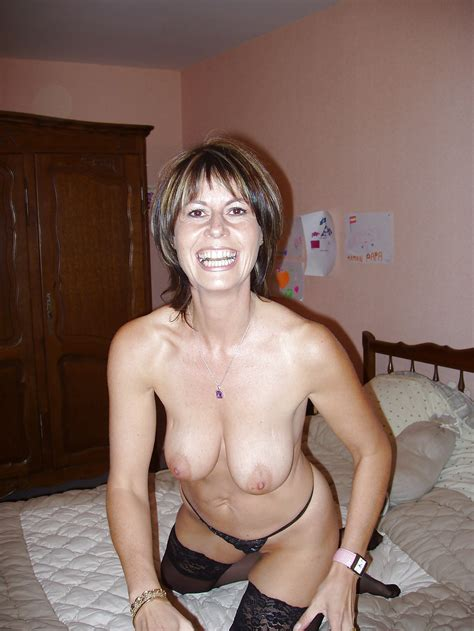 Mature Milf Christine From France She Shows All 41 Pics