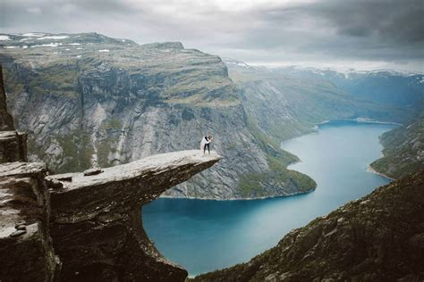 epic wedding   top  trolltunga   hours