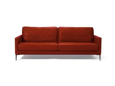 canape sur pied canapé 3 place en cuir sur pieds métal canapé