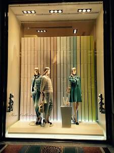 Visual Merchandising Einzelhandel : pin von christine chou auf window display 3 in 2018 pinterest ~ Markanthonyermac.com Haus und Dekorationen