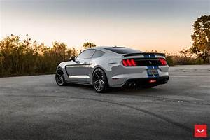 FORD MUSTANG GT350 - HYBRID FORGED SERIES : VFS-5 - Vossen Wheels