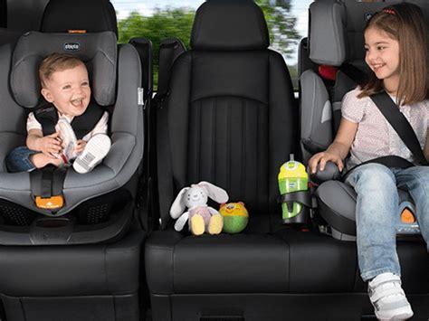 si鑒e auto chicco isofix in viaggio con il seggiolino auto giusto per lui bimbi sani e belli