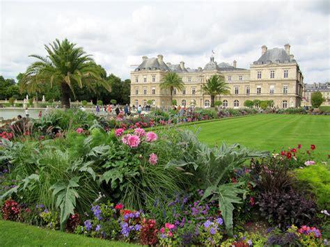 Dans Le Jardin by File Arrangement Floral Dans Le Jardin Du Luxembourg Jpg