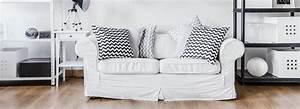 Landhausstil Couch : wohnzimmer mit sofa im landhausstil hell und so gem tlich ~ Pilothousefishingboats.com Haus und Dekorationen