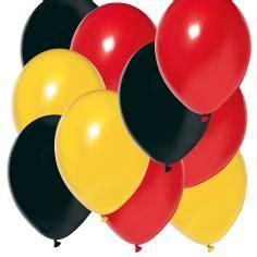 Kaum ein anderer sport begeistert die massen in deutschland so sehr wie der fußball. Fussball Deko Luftballon Set Deutschland im Shop: