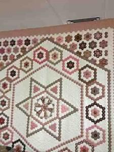 Bettdecke Auf Englisch : karen cunningham hexagons englisch ~ Watch28wear.com Haus und Dekorationen