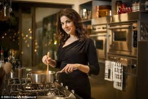 cuisine tv free nigella lawson says feminism is to blame for 39 s 39 dread of the kitchen 39 daily mail