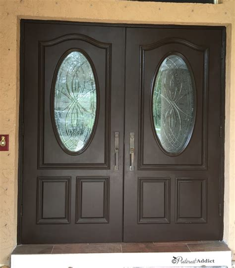 painting the front door again addict