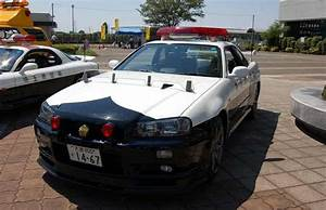 Slide 19: 25 Fastest Police Supercars From Around The World