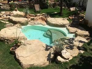 les 20 meilleures idees de la categorie beton projete sur With decoration bassin de jardin 9 une piscine avec faux rochers decoratifs