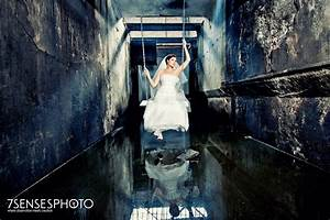 how to get beautiful wedding photos in an ugly location With what makes a good wedding photographer