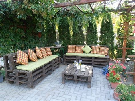 outdoor pallet furniture ideas  diy projects  patio
