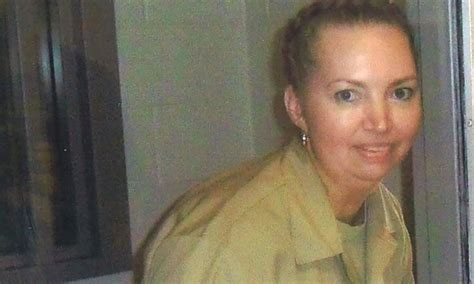 US judge briefly stays execution of only female death row ...