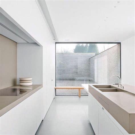 photos of designer kitchens 25 beste idee 235 n taupe keuken op grijze 4160