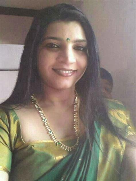 saritha  nair tv anchor picture meen curry