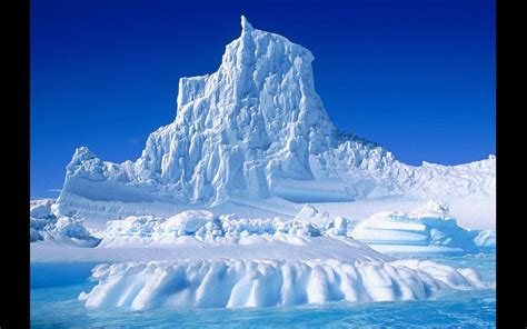 wallpapers huge antarctic iceberg wallpapers