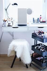 Schmink Und Schreibtisch : die 25 besten ideen zu schminktische auf pinterest schminktisch ideen frisiertisch und ikea ~ Whattoseeinmadrid.com Haus und Dekorationen