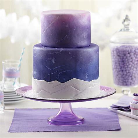 snow swirls fondant cake wilton