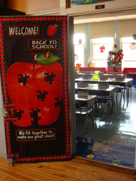 apple themed door decor classroom ideas pinterest
