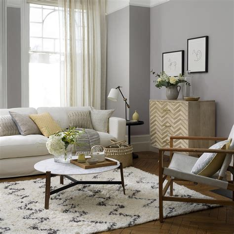 Jul 01, 2021 · far from being boring, using grey allows for serene designs that can simultaneously boast sophistication and can also develop looks that are bold, steely, and dramatic. 41 grey living room ideas in dove to dark grey for decor inspiration