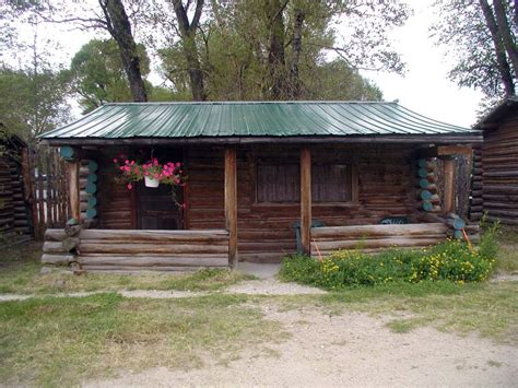 cabins for rent in wyoming riverside and encment wyoming cabins for rent