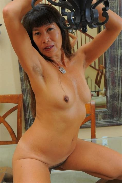 asian milf sakura shows off her hairy muffin pichunter