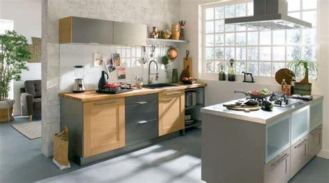 refaire une vieille cuisine refaire une cuisine ancienne relooker la cuisine