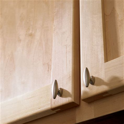 how to spruce up kitchen cabinets 10 ways to spruce up tired kitchen cabinets page 4