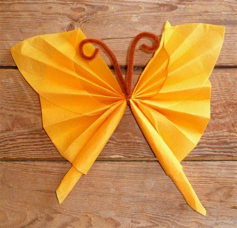 pliage de serviette en papier en forme de papillon pliage en papier d un papillon origami