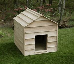 Extra large breeds cedar dog house for Large breed dog house