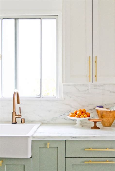 White Kitchen Gold Eye by 20 Awesome Color Schemes For A Modern Kitchen