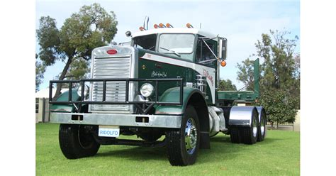 in search of the family peterbilt news