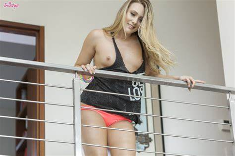 Aj Applegate Has Beauty Bush Orgasms