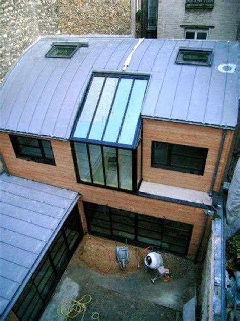 maison d architecte en bois autour d un patio