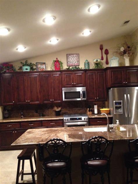top kitchen cabinet decorating ideas best 25 above cabinet decor ideas on above