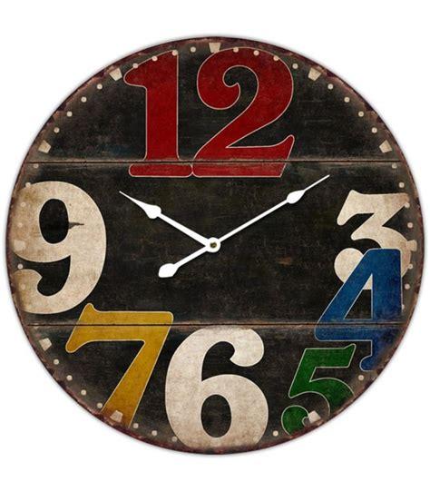 horloge murale ronde noir en bois et chiffres multicolores