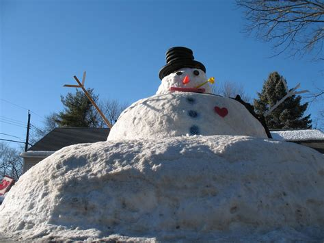 the giant snowman of guilderland all over albany